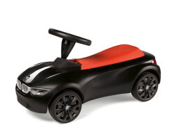 BMW gåbil svart