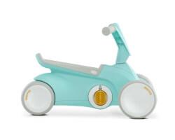 gåbil med trampor berg toys mintgrön