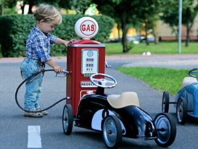 baghera sparkbil tillbehör bensinstation